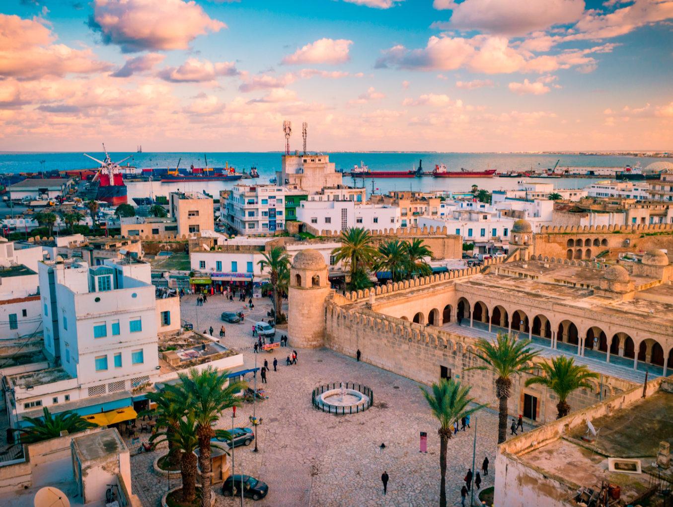 Тунис откроется для туристов 27 июня