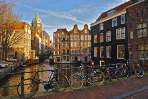 Амстердам отказывает туристам в возможности посетить кофешоп