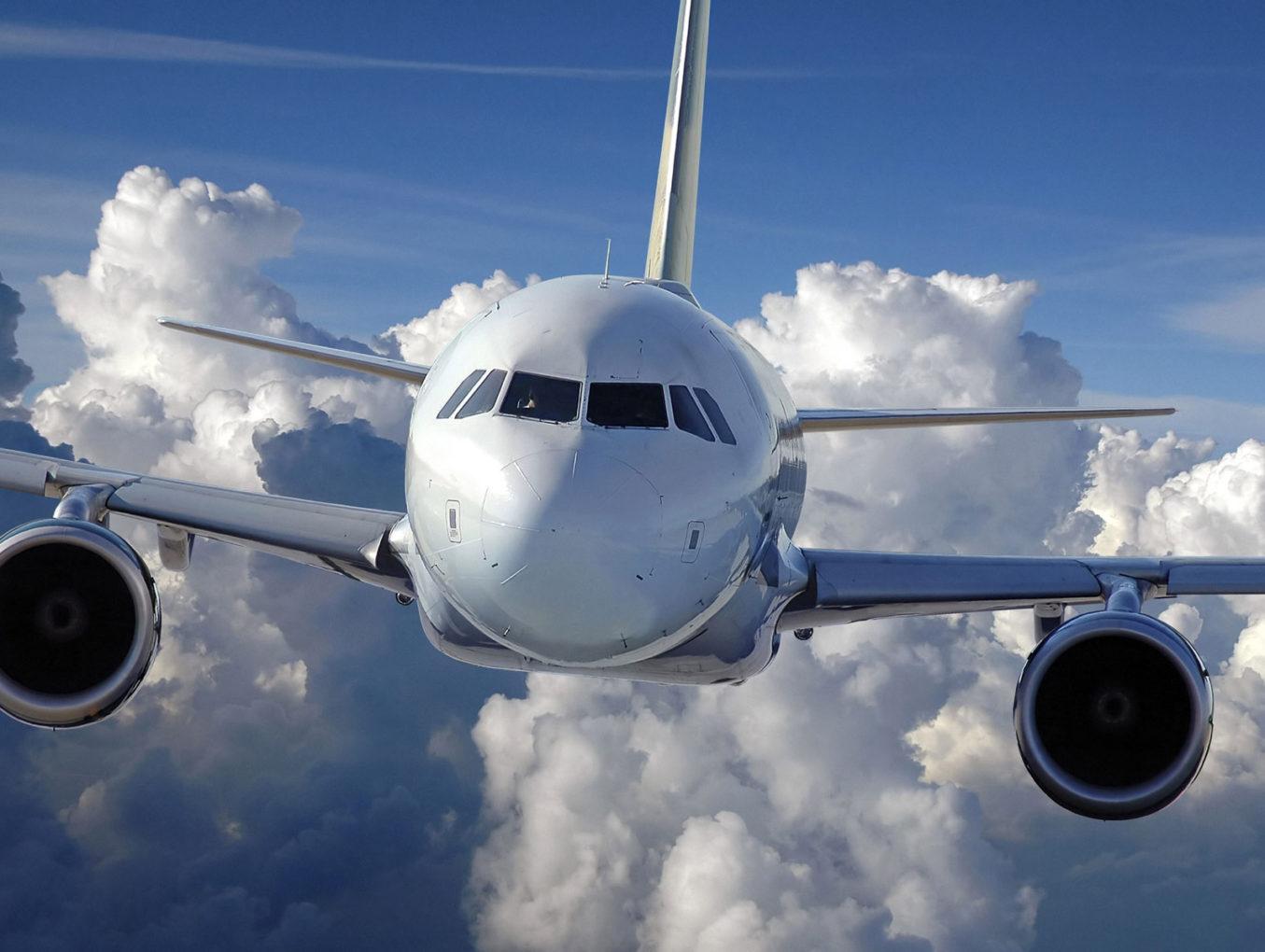 Авиакомпания El Al начала тестировать пассажиров на регистрационных стойках в аэропорту Тель-Авива