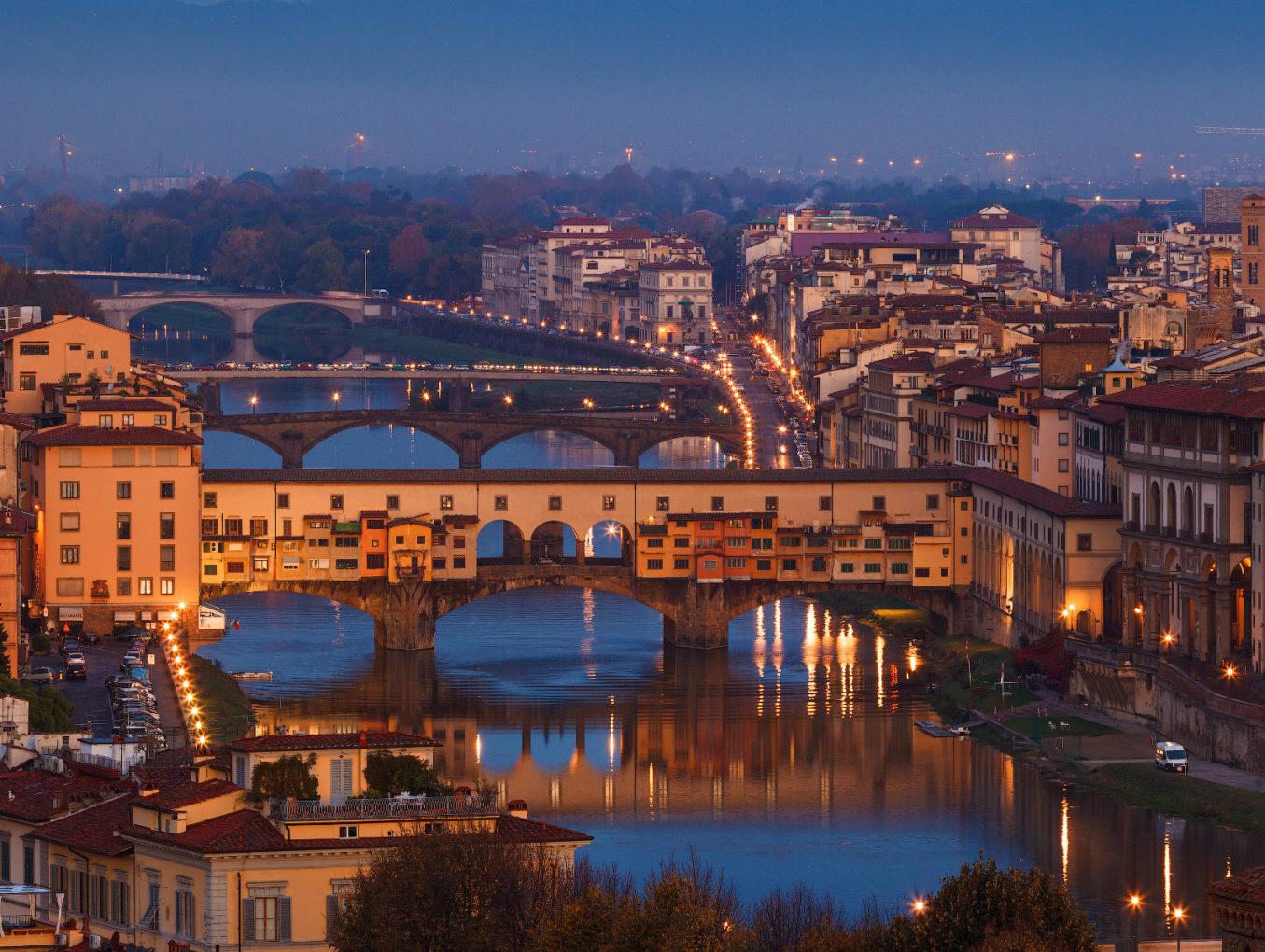 Туристам во Флоренции запретят есть на улицах