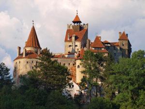 Замок Дракулы в Румынии предлагает гостям пройти бесплатно вакцинацию