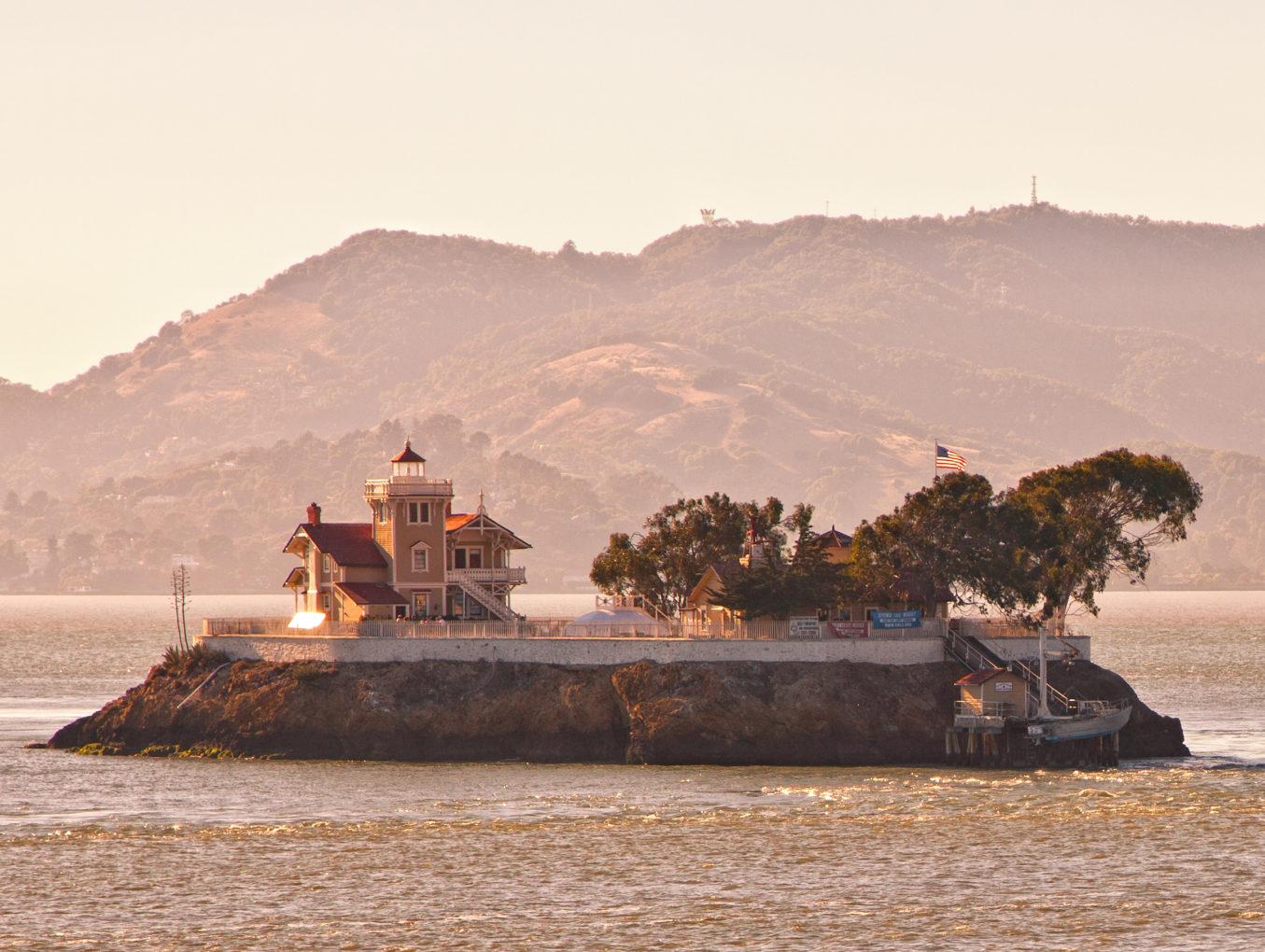 Стать смотрителем острова на США предлагают за 130 000 долларов