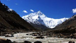 Эверест закроют для альпинистов