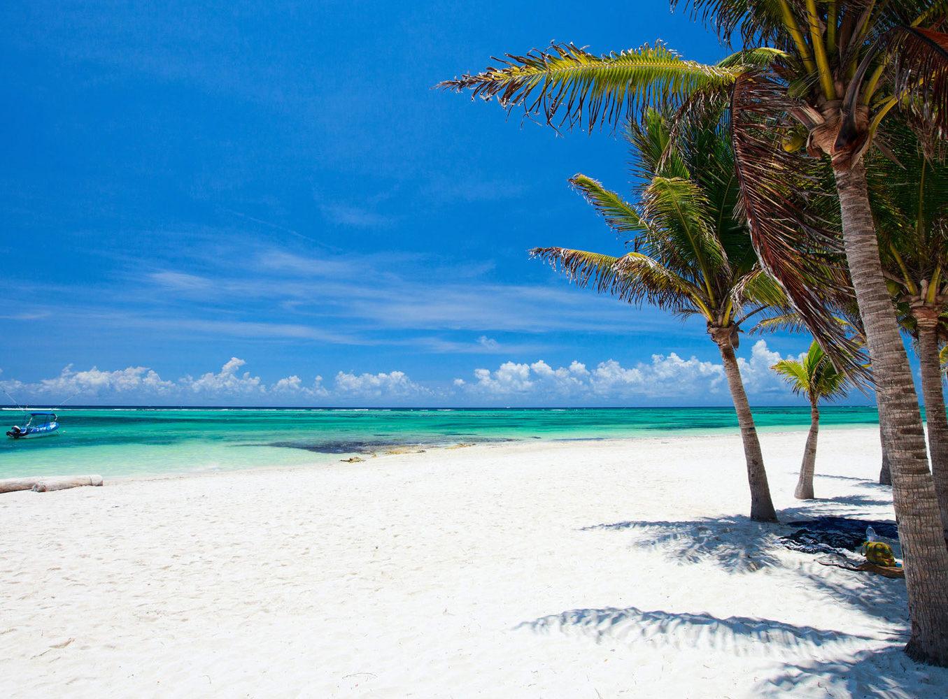 Мальдивы закрыли границы для богатых туристов из Южной Азии