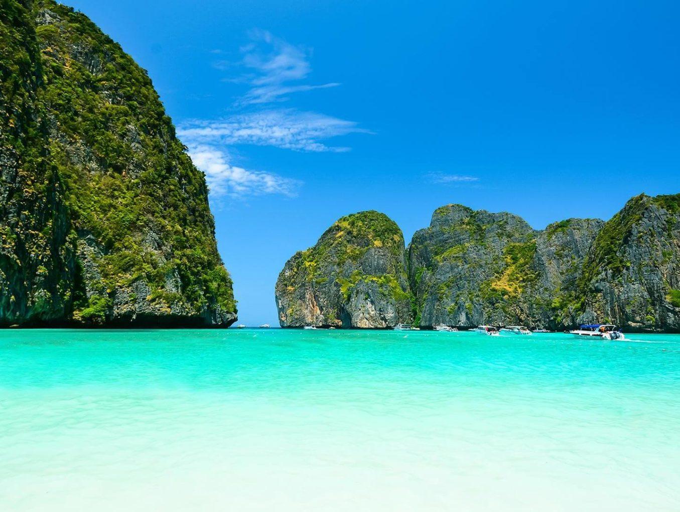 Известный по фильму с ДиКаприо пляж по-прежнему закрыт для туристов