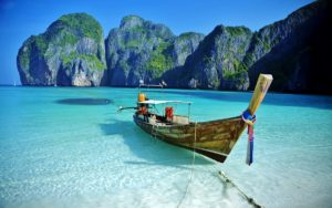 Знаменитый пляж снова откроется для туристов в Таиланде