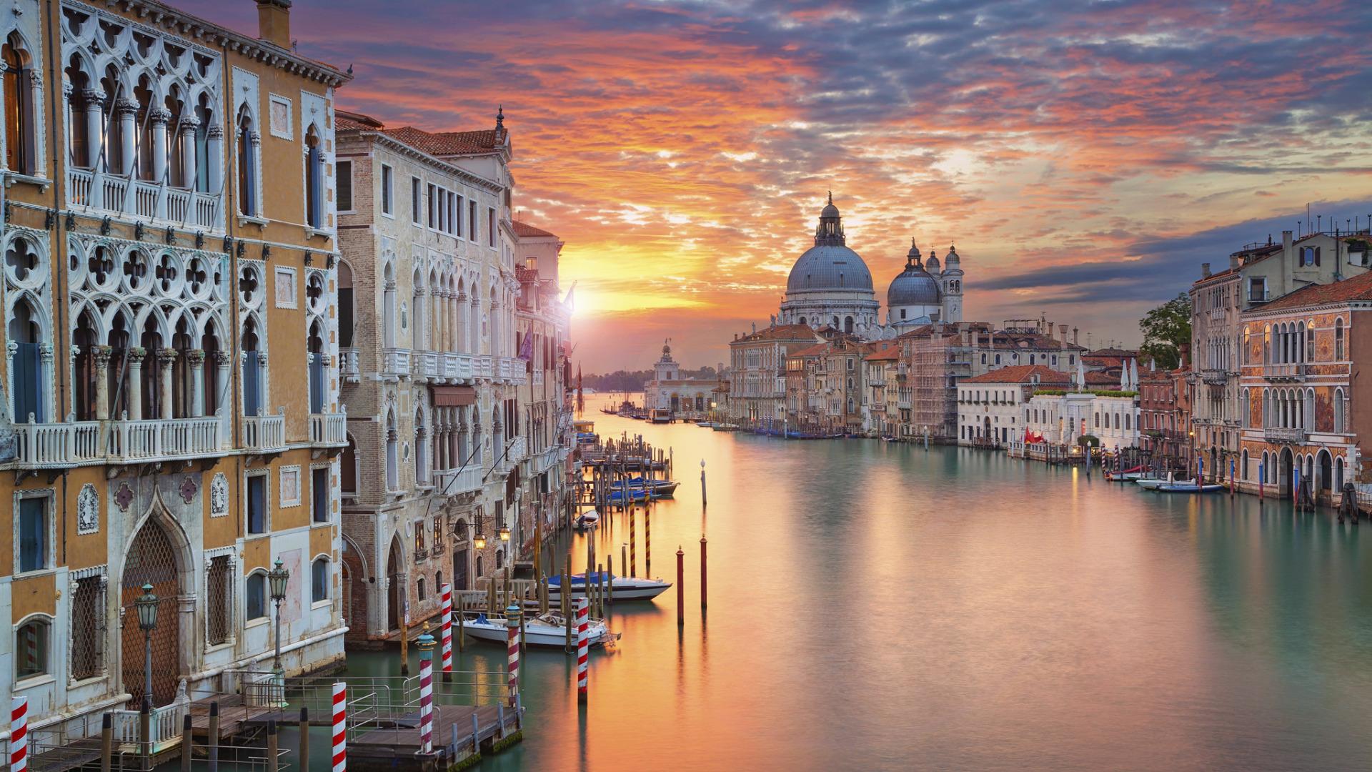 Венеция будет бороться с курильщиками